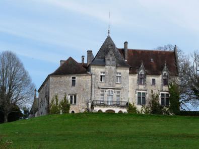 Château Bellegarde.JPG